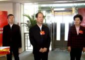 石泰峰 咸辉看望全国两会宁夏新闻工作者