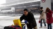 美国纽约暴风雪导致上千航班被取消