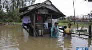 泰国南部受季风影响洪水形势加重