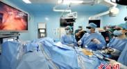 武汉同济医院全球首创膜解剖手术 国内外专家观摩