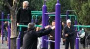 """打卡出勤、PK平板……天坛老人的""""切磋型""""健身社交"""
