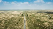 库布其首条穿沙公路 矗立在大漠的无形丰碑