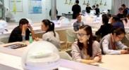 机器人服务员来了:国展中心内的智能餐厅
