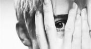 孩子总喜欢一个人玩是孤独症吗?