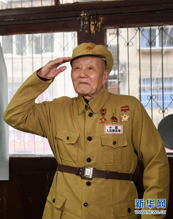 (新华全媒头条·图文互动)(16)天翻地覆慨而慷——从庆祝中华人民共和国成立70周年大型成就展看新中国光辉历程