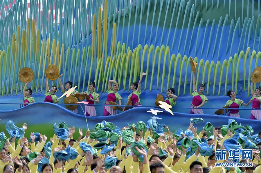 (新华全媒头条·图文互动)(12)凝聚爱国主义的磅礴力量!——新中国成立70周年盛典启示录
