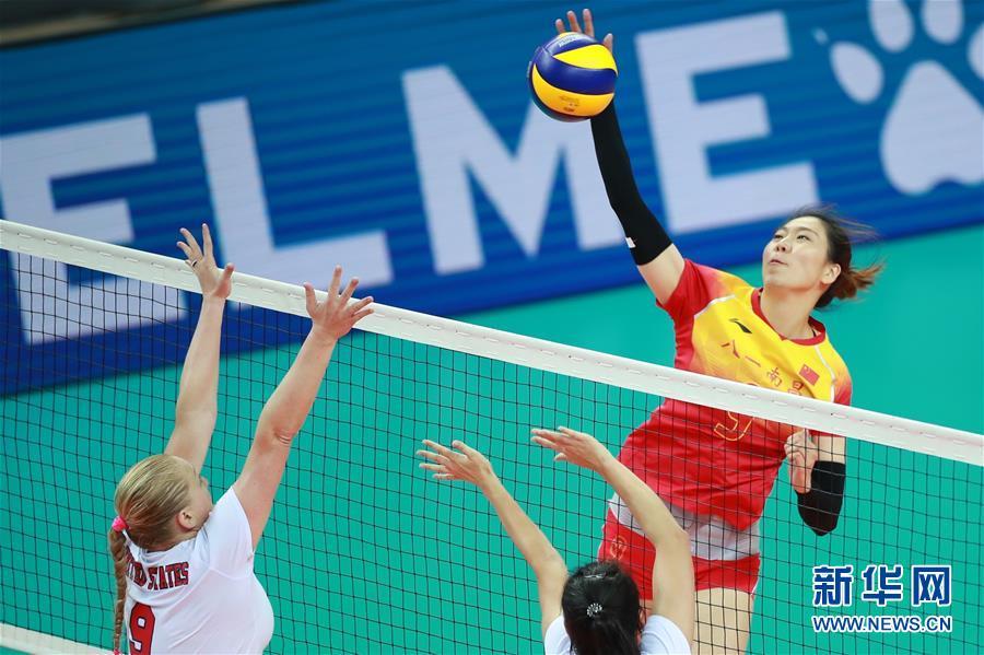 (军运会)(1)排球——女排小组赛:中国队胜美国队