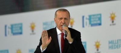 土耳其总统表示不会向经济威胁屈服