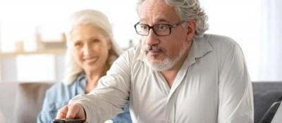50岁以上的人请注意!每天看电视超3个半小时或致记忆力下降