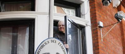 """""""维基揭秘""""创始人阿桑奇在伦敦被捕"""