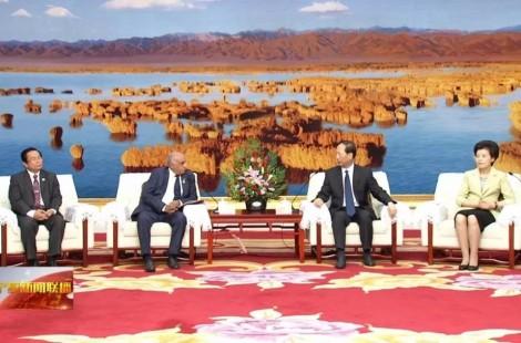 第二届宁夏国际友好城市论坛在银川开幕 石泰峰咸辉会见与会嘉宾代表