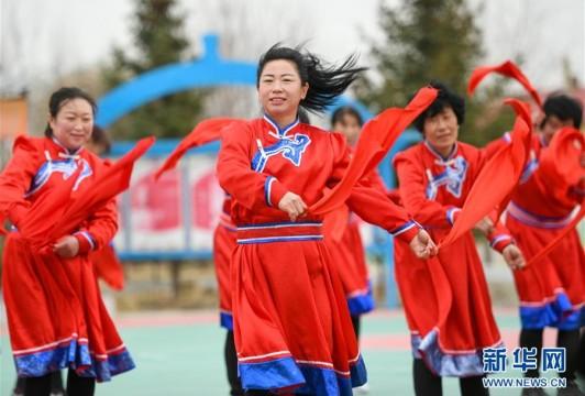 情同一家,守望相助,共奔小康——內蒙古興安盟巴彥敖包嘎查民族團結見聞