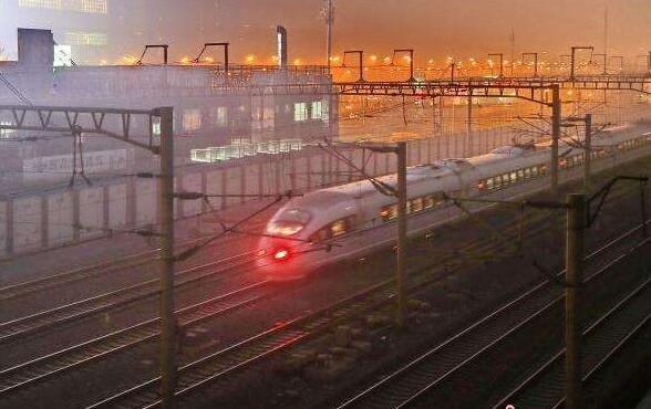 """全国铁路今迎大调图 京沪高铁""""复兴号""""正式提速"""