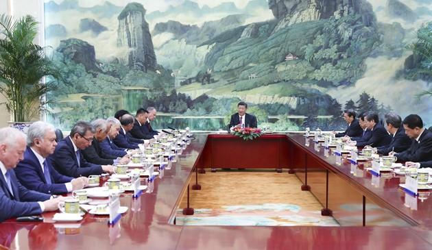 习近平集体会见上海合作组织成员国安全会议秘书会议 外方代表团团长
