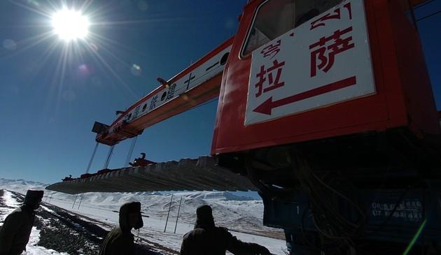 開拓雪域高原的夢想之路——來自青藏鐵路的蹲點報告