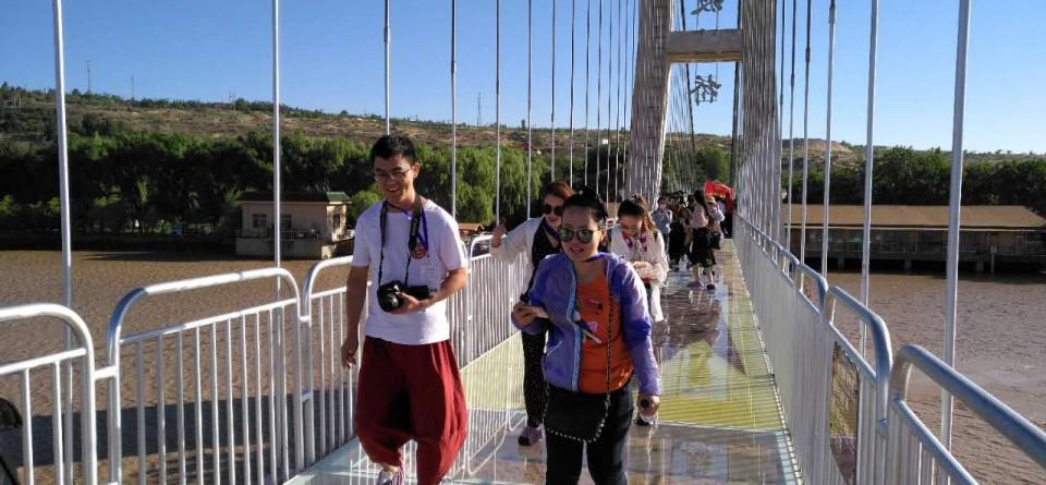 国内首座黄河3D玻璃桥