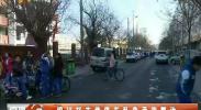 银川裕丰巷停车乱象亟待整治-2018年1月17日