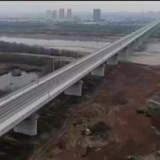 银西高铁我先行丨漠谷河2号特大桥和渭河特大桥:虹桥飞架筑通途-20201220